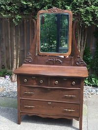 Antique dresser with mirror Langley, V1M 4E1