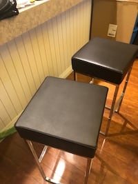 30 inch high Black Leather Barstools