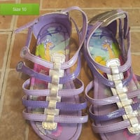 pair of girl's purple strappy sandals Roslin, K0K 2Y0