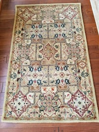 100% Wool Indian Rugs and Runners, ea 14 km