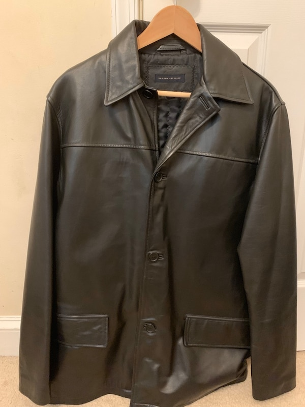 Banana republic men's leather jacket size small. 0