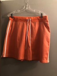 Winter vacation! Awesome  A/E Sport & Co size L/XL skort. Edmonton, T6L 6P5