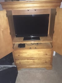 black and gray flat screen TV Bloomingdale, 60108