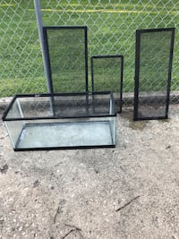 """Reptile enclosure.  It is 30""""l x 12 1/2w x 12h.  Cash only and must pick up Joliet, 60435"""