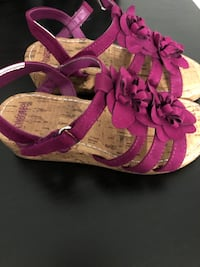 pair of pink-and-white sandals Gaithersburg, 20879