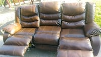 Leather couch Clackamas, 97015