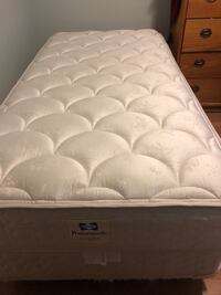 white and gray floral mattress Lakewood, 98498