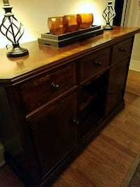 brown wooden 2-door cabinet Frederick, 21701