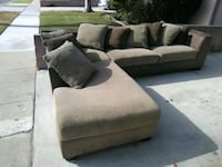 Emerald Home Sectional Los Angeles, 90047