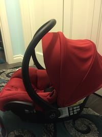 Baby's red and black car seat carrier Red Deer, T4P