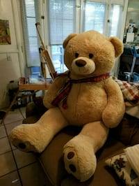 In mint condition life size bear! Palm Desert, 92260