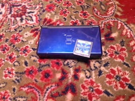 Nintendo DS with Brain Age 2 game/jeux