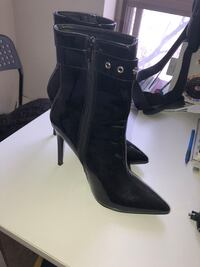 Boot for sale  size 8 Toronto, M3J 1V6