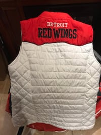 Redwing vest med size worn once  Windsor, N8R 1V5