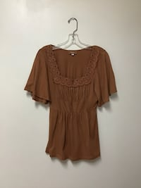 Women's HEM stretch soft crocheted neckline butterfly sleeves top med. Manasquan, 08736