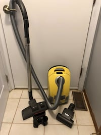 Miele canister vacuum.  Barely used and in great shape Kitchener, N2P 1S1
