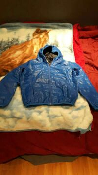 blue zip-up jacket Beaupré, G0A 1E0