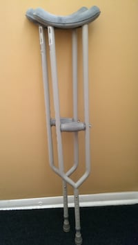 CRUTCHES - ADULT SIZE BY LUMEX   -:¦:-