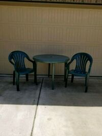 2 green  chairs and table Live Oak, 78233