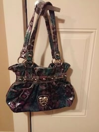 purse $20 excellent condition Coquitlam, V3J 2H6