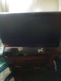 22in flat screen TV  built-in DVD player remot