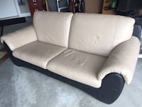 Italian fine leather couch KELOWNA