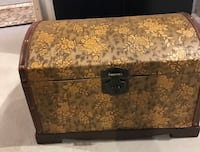 Decorative storage chest