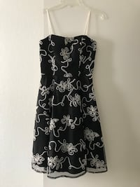 black and white floral spaghetti strap dress Moreno Valley, 92553