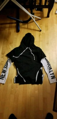 New York small hoodie with side zips Montréal, H2N 1Y8