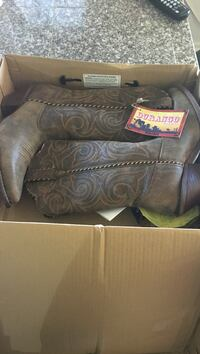 8.5 new Pair of brown leather cowboy boots