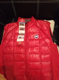 Canada goose vest. Brand new. Still with a tag.
