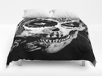 black and gray skull printed comforter  Prince George, V2N 3Y3