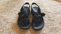 pair of black leather sandals Chico, 95926