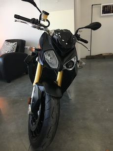 BMW S 1000 R sport bike 2500 kms