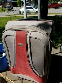 Medium sized Olympia luggage with carry-on bag Toronto, M1B 1N3