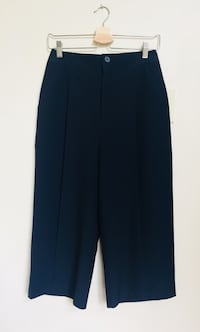 Oak + Fort relaxed dress pant size 4 North Vancouver, V7R