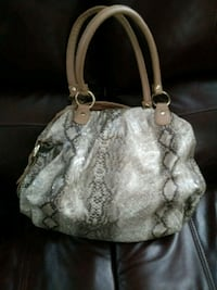 white and gray Coach monogram leather tote bag De Berry, 75639