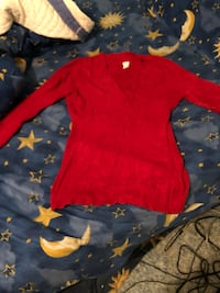 Red extra soft fuzzy sweater large Parkville, 21234