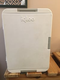 Igloo Iceless 40 Quart Cooler, SIlver $120 obo Calgary, T2H 3A1