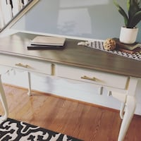 Gorgeous Refinished Desk Chantilly, 20152
