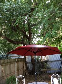 Red outdoor umbrella New Orleans, 70118