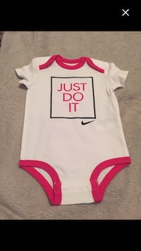 **brand new **nike girls size 3/6months