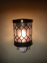 Electric candle warmer with vanilla wax cubes New Orleans, 70122