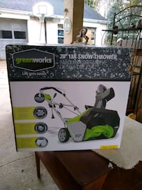 Snow thrower . New .