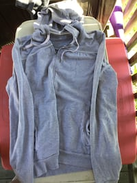 gray zip-up pull-over hoodie 519 km