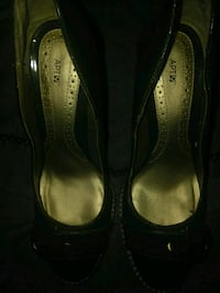 Money green shoes size 10 med