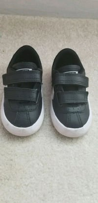 Toddler converse sneaker Woodbridge, 22193