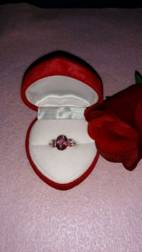 4ct. Pink Topaz and diamonds