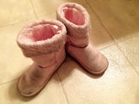 Toddler cozy boots size 8 Alexandria, 22304