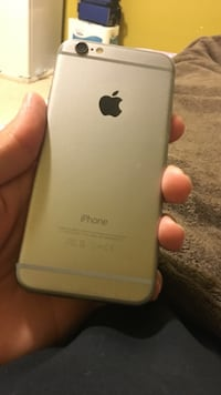 Iphone 6 mint condition hardly used with orignal headfone charger